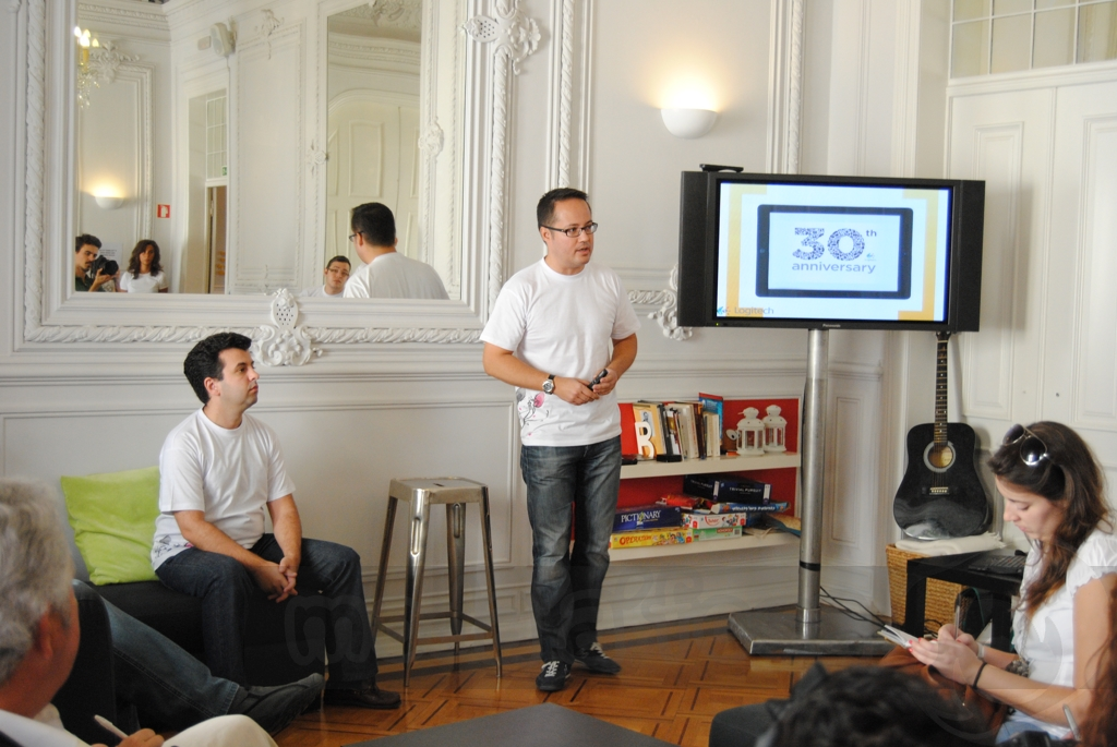 http://www.modaafoca.com/imagensmodaafoca/equipa/eventos/logitechlisbonhostel/Logitech2009.JPG