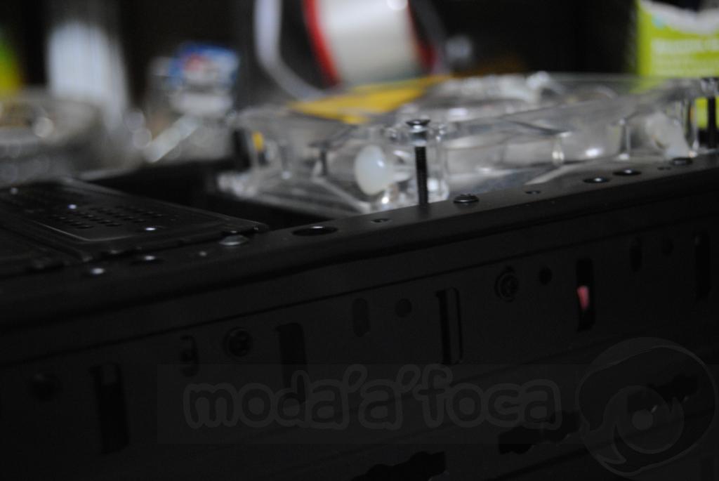 http://www.modaafoca.com/imagensmodaafoca/equipa/projectos/blackstormh406/28012012/blackstormh406sparky11.JPG