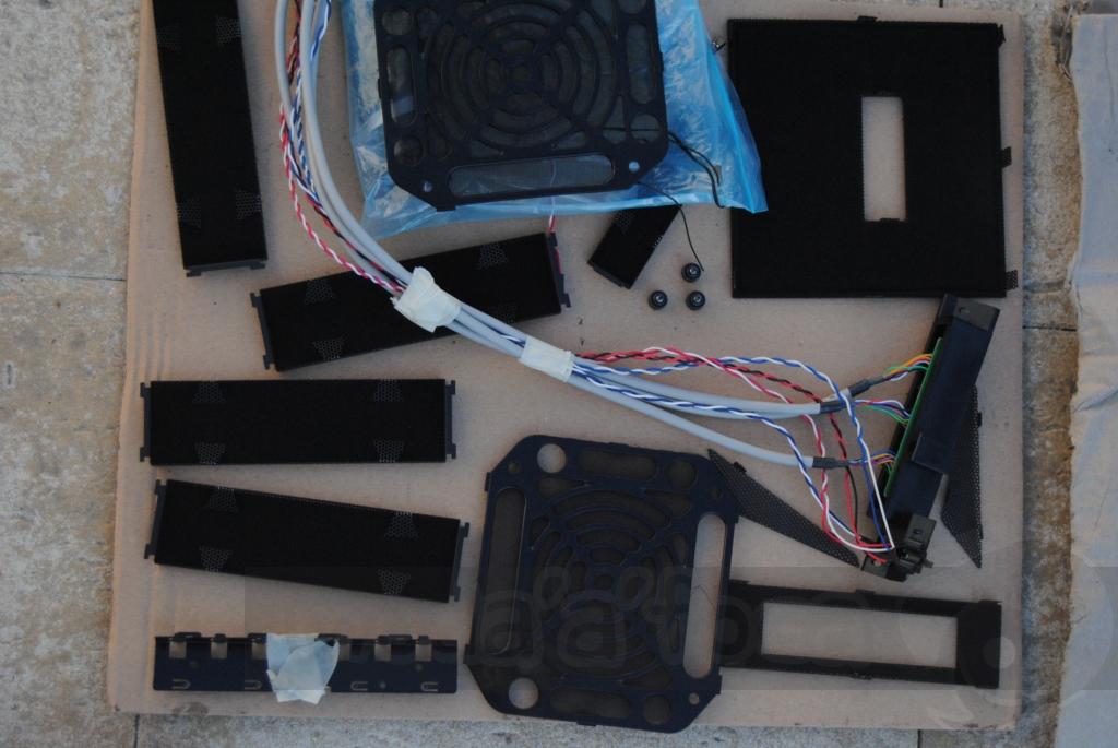 http://www.modaafoca.com/imagensmodaafoca/equipa/projectos/blackstormh406/29012012/blackstormh406bluecaseshow03.JPG