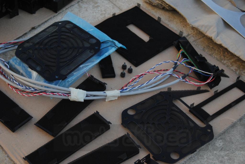 http://www.modaafoca.com/imagensmodaafoca/equipa/projectos/blackstormh406/29012012/blackstormh406bluecaseshow04.JPG