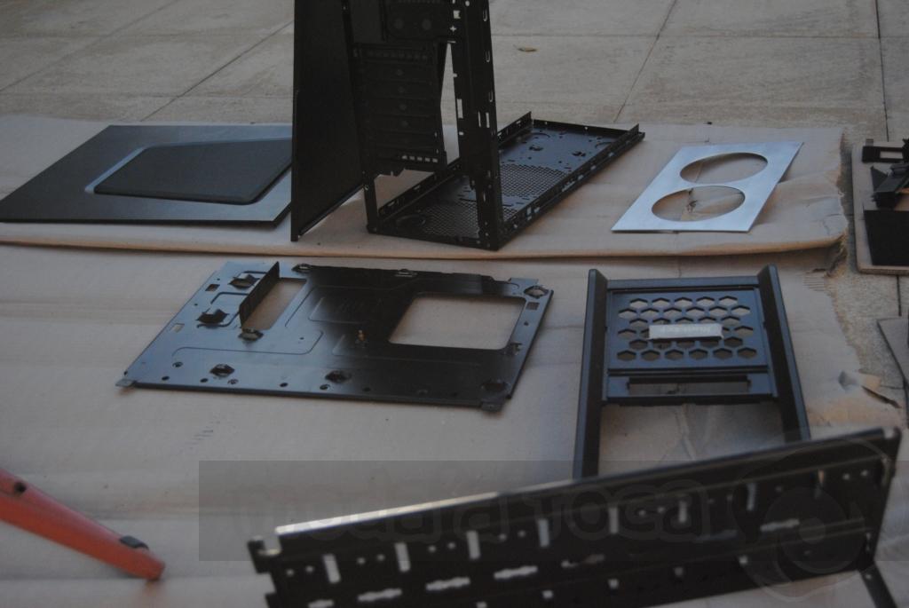 http://www.modaafoca.com/imagensmodaafoca/equipa/projectos/blackstormh406/29012012/blackstormh406bluecaseshow10.JPG