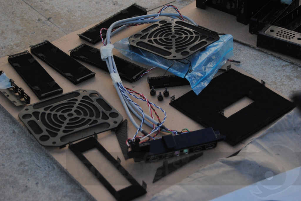http://www.modaafoca.com/imagensmodaafoca/equipa/projectos/blackstormh406/29012012/blackstormh406bluecaseshow18.JPG